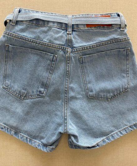 fernandaramosstore short jeans com cinto e botoes encapados 3